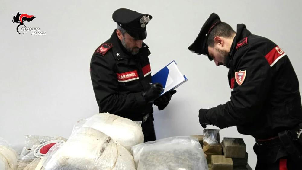 San Giorgio Di Piano 80 Kg Di Droga In Casa E In Auto Arrestato Trafficante