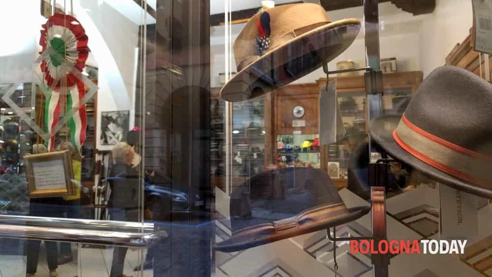 673b7f1d8d1f Cappelleria Malaguti  la storia del cappello passa da Bologna