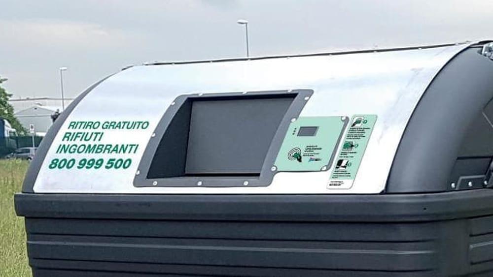 Rifiuti: 50 nuovi cassonetti al Savena, si aprono con la Carta Smeraldo