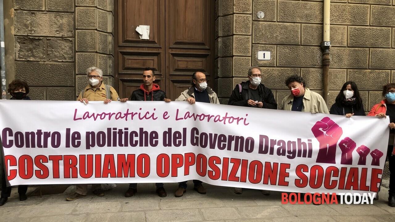Sciopero oggi 11 ottobre a Bologna, dai bus agli ospedali giornata di  possibili disagi. Corteo dei sindacati sfila in centro