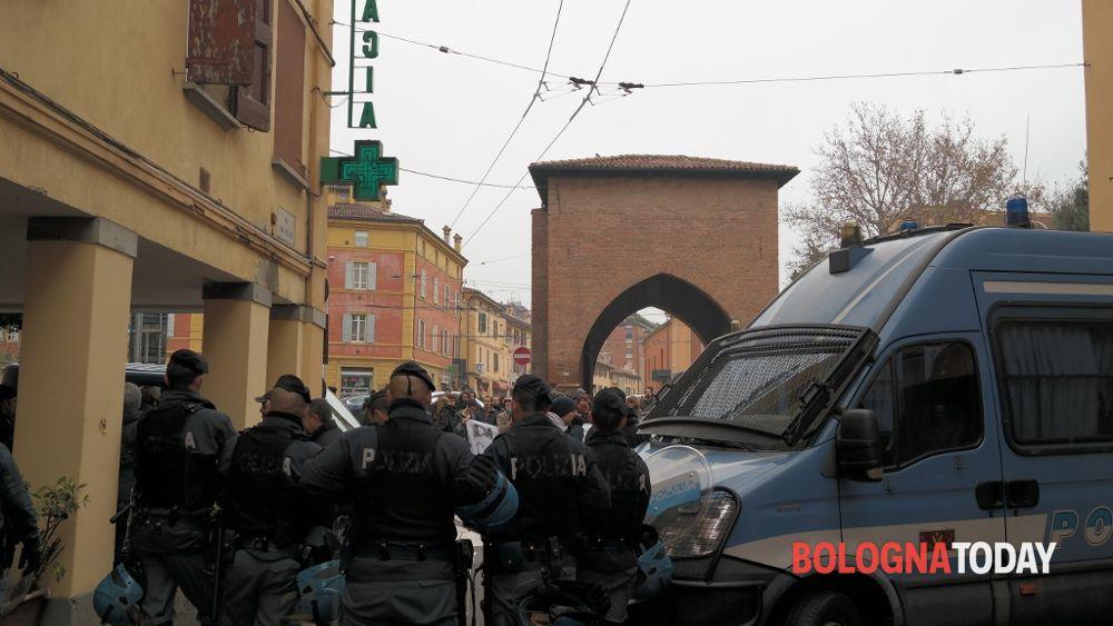 Sgombero via san vitale via gli occupanti dal civico 122 - Porta san vitale bologna ...