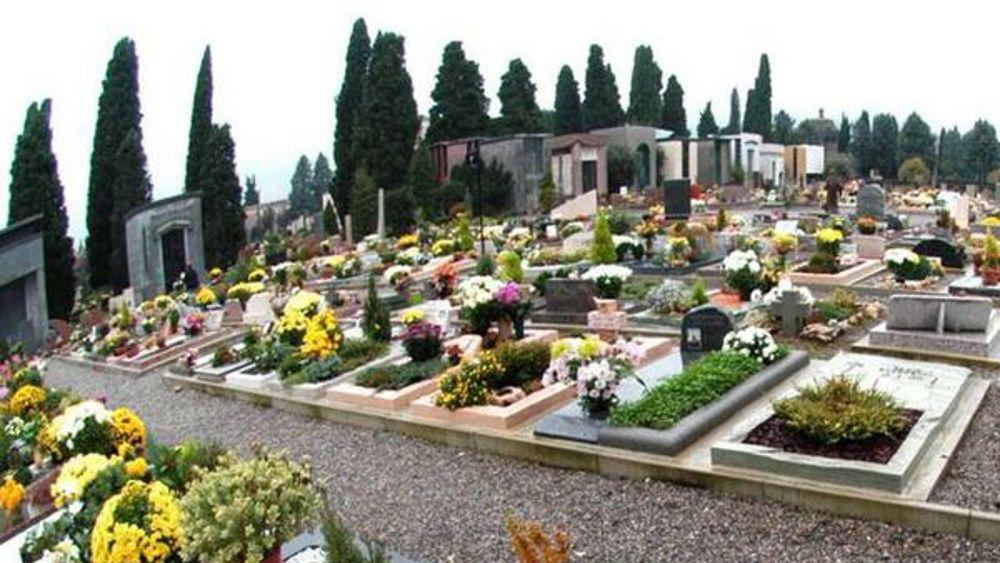 Suicidio al cimitero di Castel San Pietro: Carabiniere si spara con la pistola di ordinanza